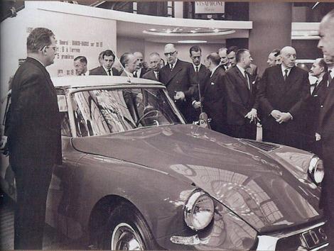charles de gaulle au salon de lauto 1961